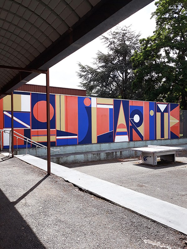 "Mural painting "" Solidarité "" in a high school in Halluin / France / Curated by Le Grand Mix / Tourcoing"